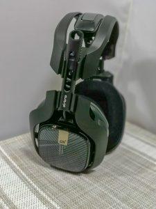 ASTROエンジニア プロゲーマー ゲームデザイナーが共同開発するゲームのプレイに最適化されたヘッドセット